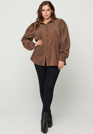 MIT PUFFÄRMELN - Button-down blouse - brown