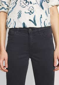 Esprit - CAPRI - Jeans slim fit - navy - 3