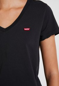 Levi's® - PERFECT V NECK - T-shirts print - caviar - 3