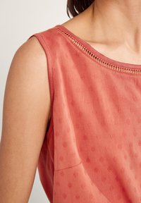 comma casual identity - Blouse - rot - 2