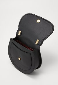 Coccinelle - SIRIO WHIPSTITCH SADDLE - Across body bag - noir - 3