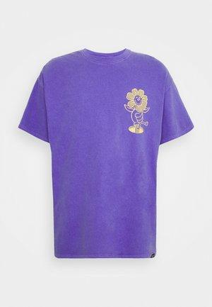 DAISY PRINT TEE UNISEX - Print T-shirt - purple