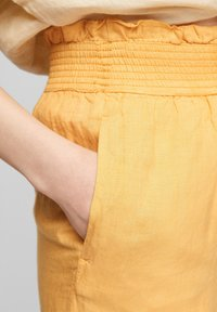 s.Oliver - Trousers - sunset yellow melange - 3
