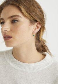 Oliver Bonas - Earrings - green - 1