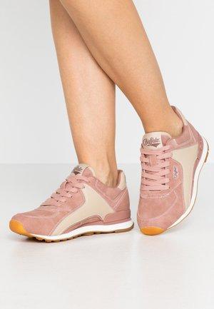 LOKE - Matalavartiset tennarit - pink