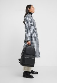 Tommy Hilfiger - BACKPACK - Mochila - black - 5