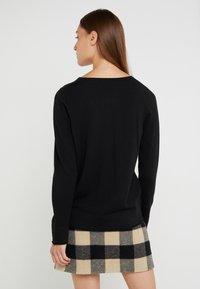 Repeat - LOOSE CREW JUMPER - Stickad tröja - black - 2