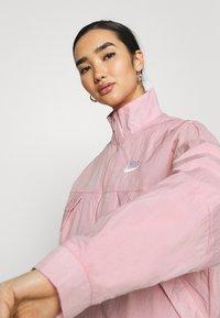 Nike Sportswear - AIR - Chaqueta de entrenamiento - pink glaze/white - 3
