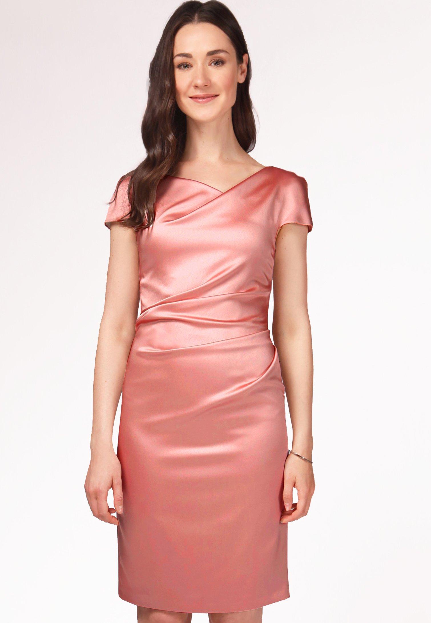 Koralle Farbe Kleid Welche Schuhe  silicon valley 2021