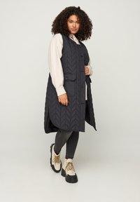 Zizzi - Waistcoat - black - 1