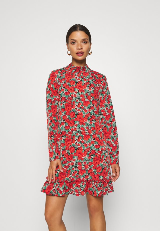 HIGH NECK DROP WAIST SMOCK DRESS FLORAL - Kjole - red