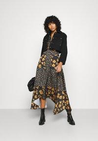 U Collection by Forever Unique - Długa sukienka - black /orange - 1