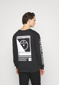 The North Face - STEEP TECH TEE UNISEX - Langærmede T-shirts - black - 2