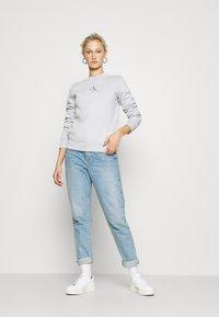 Calvin Klein Jeans - CUT OUT BACK  - Sweatshirt - antique grey - 1