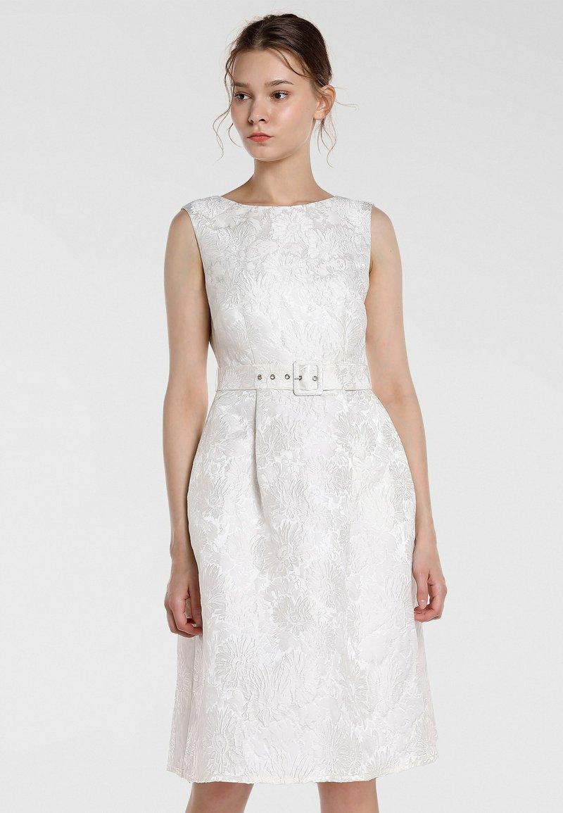Apart - Cocktail dress / Party dress - creme