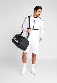 Reebok - WORKOUT READY TRAINING LONG SLEEVE T-SHIRT - Maglietta a manica lunga - white - 1