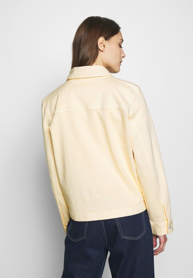 COLORED TWILL - Denim jacket - soft vanilla