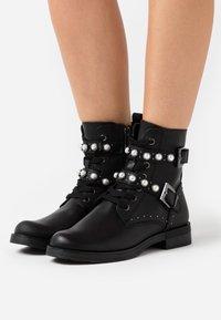 Marco Tozzi - BOOTS - Cowboystøvletter - black - 0