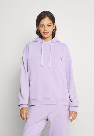 CHROMA CAPSULE FRONT POCKET HOODIE - Sweatshirt - purple