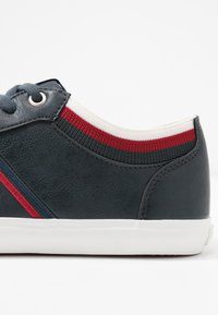 Levi's® - WOODS COLLEGE - Trainers - navy blue - 2