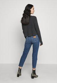 Wrangler - BOYFRIEND - Jeans relaxed fit - blue denim - 2