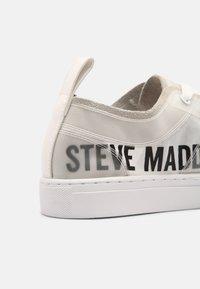 Steve Madden - CALLE - Trainers - white - 4