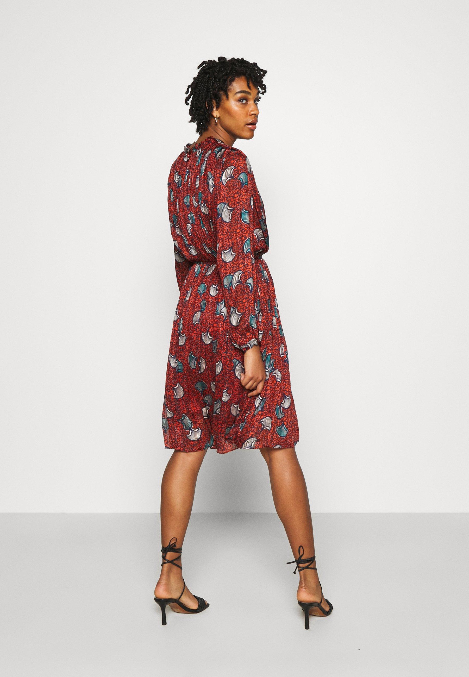 Molly Bracken LADIES WOVEN DRESS PREMIUM Freizeitkleid batik rust/orange