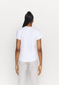 Columbia - SUN TREK™ GRAPHIC TEE - Print T-shirt - white - 2