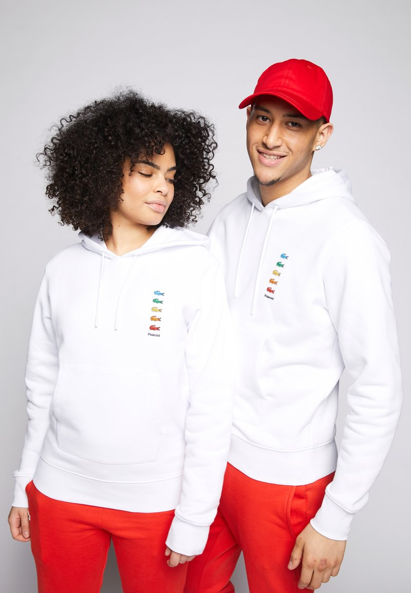 Lacoste - POLAROID UNISEX HOODIE - Sweatshirt - white