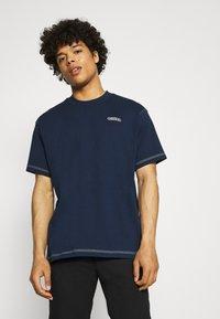 adidas Originals - TEE UNISEX - Basic T-shirt - collegiate navy - 0