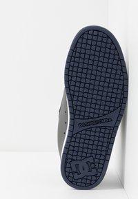 DC Shoes - COURT GRAFFIK - Skatesko - grey - 4