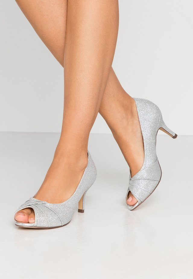 WIDE FIT GABRIELLE - Klassiske pumps - silver