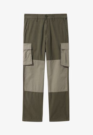 MN DUFFLE CARGO PANT - Bojówki - grape leaf-vetiver