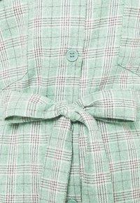 Missguided Plus - BELTED SHIRT DRESS - Shirt dress - green - 2