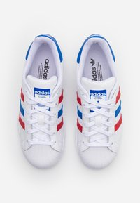 adidas Originals - SUPERSTAR SPORTS INSPIRED SHOES UNISEX - Trainers - footwear white/blue/scarlet - 3