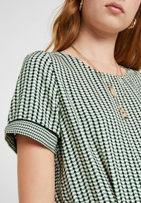Vero Moda Tall - VMARIEL - Bluser - hedge green/ariel - 5