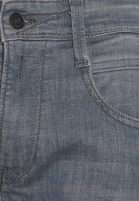 Replay - ANBASS LITE - Straight leg jeans - medium grey - 5