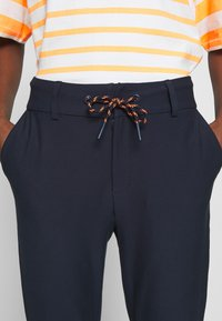 Marc O'Polo DENIM - DRAWSTRING DETAIL AT FRONT - Chinos - scandinavian blue - 4