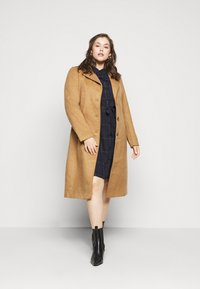 MY TRUE ME TOM TAILOR - BELTED CHECKED DRESS - Shirt dress - navy gipsy/camel - 1