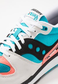Saucony - AZURA - Baskets basses - white/capri/vizicoral - 5
