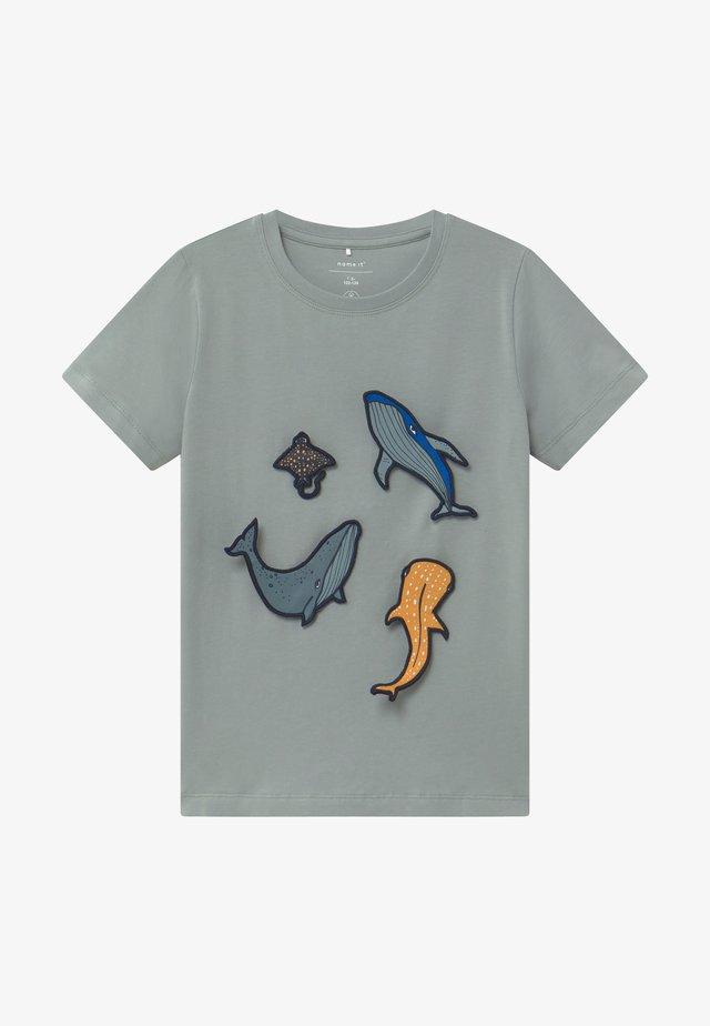 NMMJUXI - T-shirt print - abyss