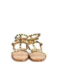 Alma en Pena - Ankle cuff sandals - sand - 2