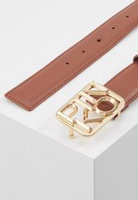 Pinko - FISCHIO SMALL BELT - Belt - brown - 2