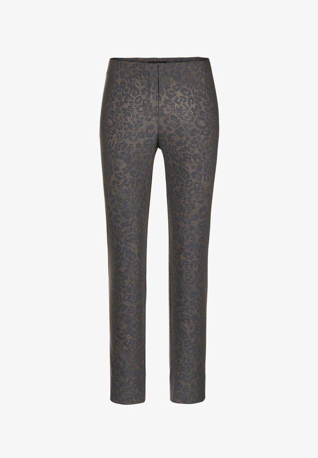 INA-742 19118 STRETCHHOSE LEO-DRUCK - Trousers - braun