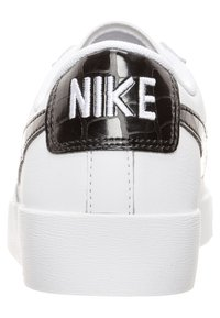 Nike Sportswear - BLAZER - Sneakers - white/black - 3