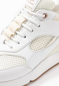 Cole Haan - ZEROGRAND CITY TRAINER - Sneaker low - optic white/ivory/camel - 2