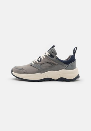 TREE RACER - Trainers - medium grey