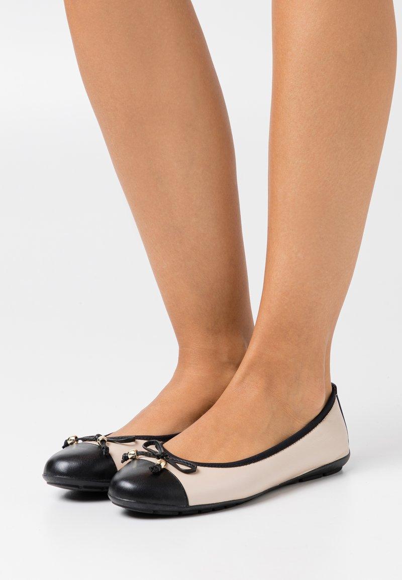 Caprice - Ballet pumps - beige/black