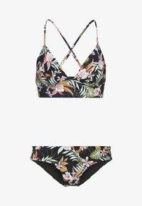 black/tropical