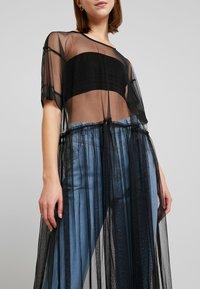 Monki - SILVIA DRESS - Denní šaty - black - 5